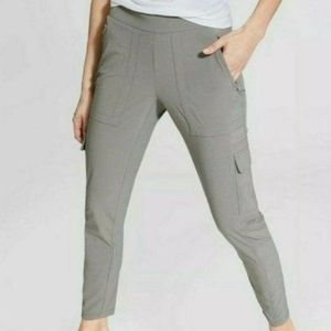 Athleta Chelsea Cargo Stretch Cropped Pants